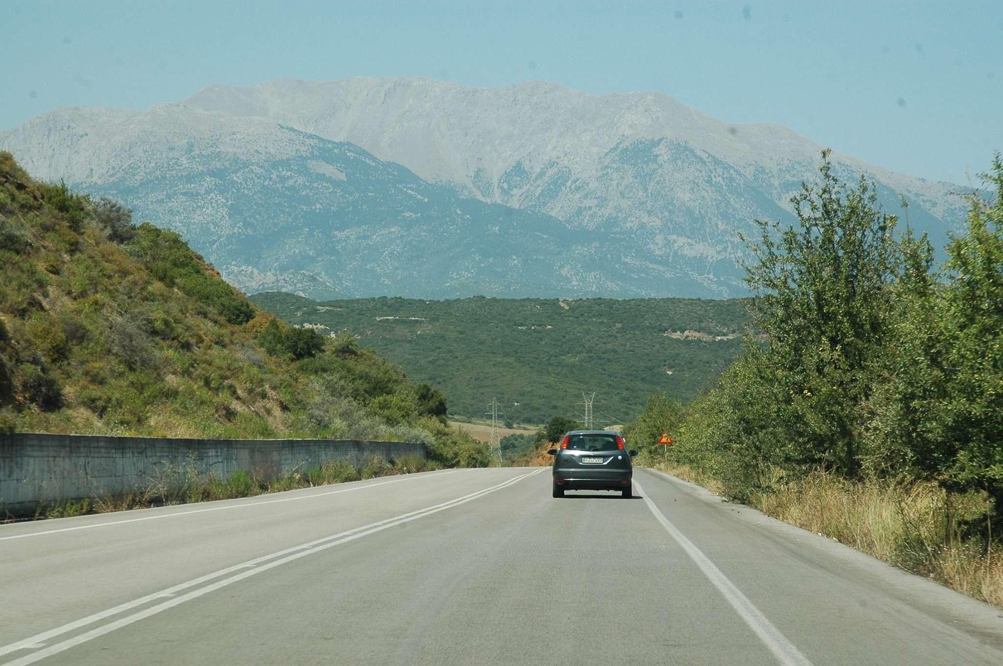 The scenic drive to Delphi
