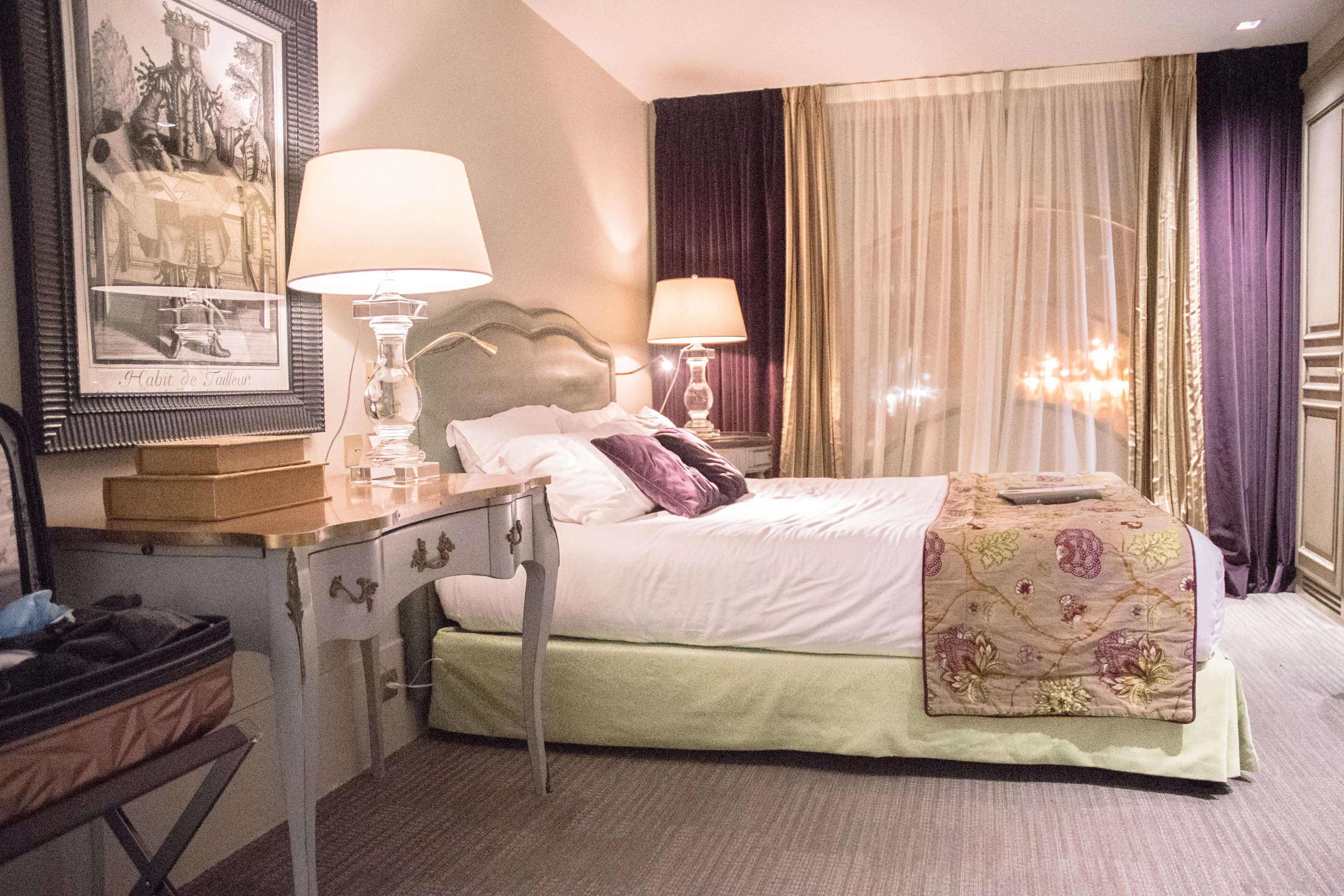 La Maison Favart La Costumière Hotel Room