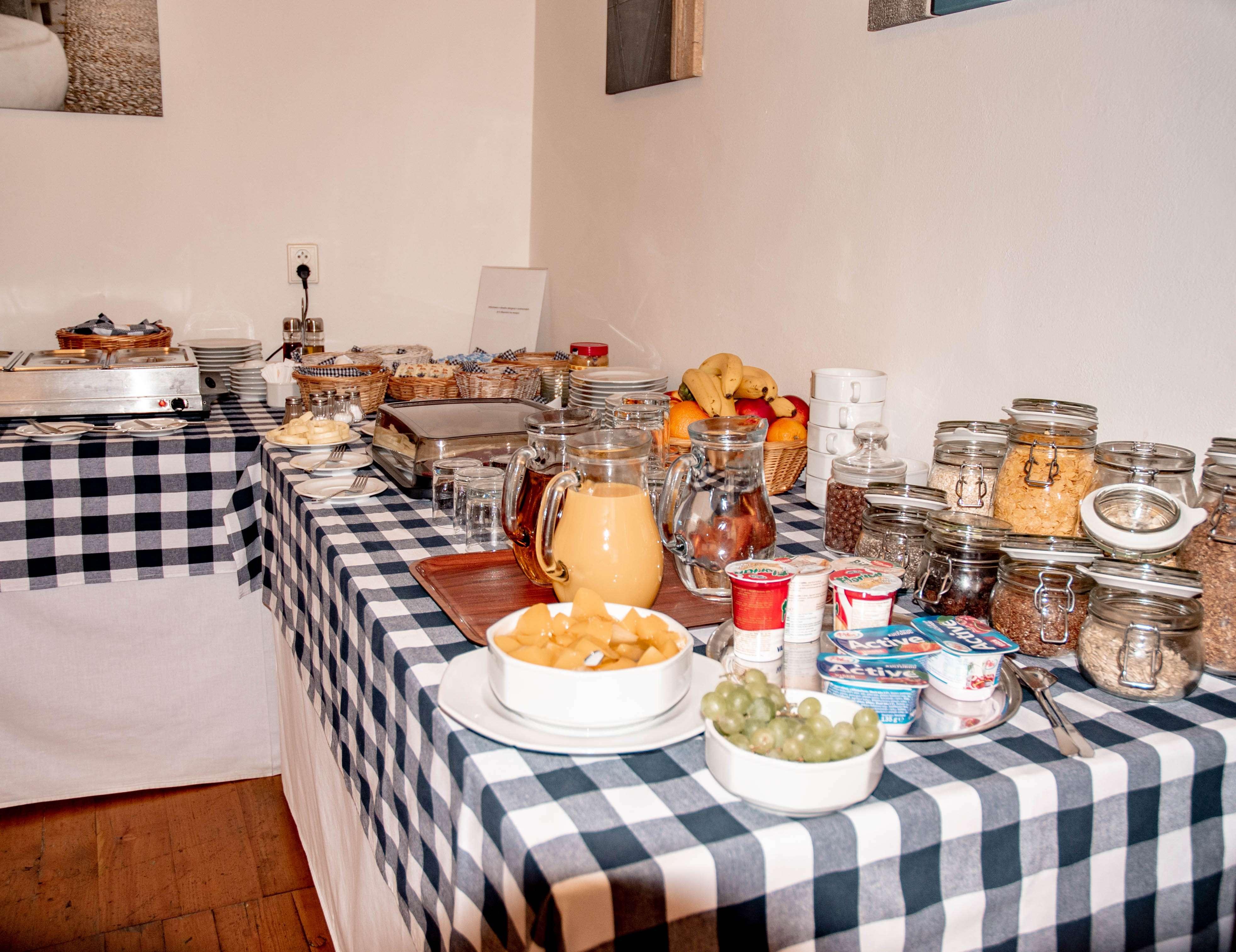Breakfast at Domus Henrici