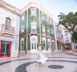 Spinning in front of Loja Obrigado