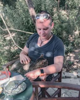 Cat at Dourakis Winery