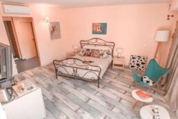 Fileas Art Hotel bedroom