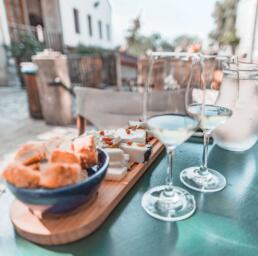 wine tasting in Crete