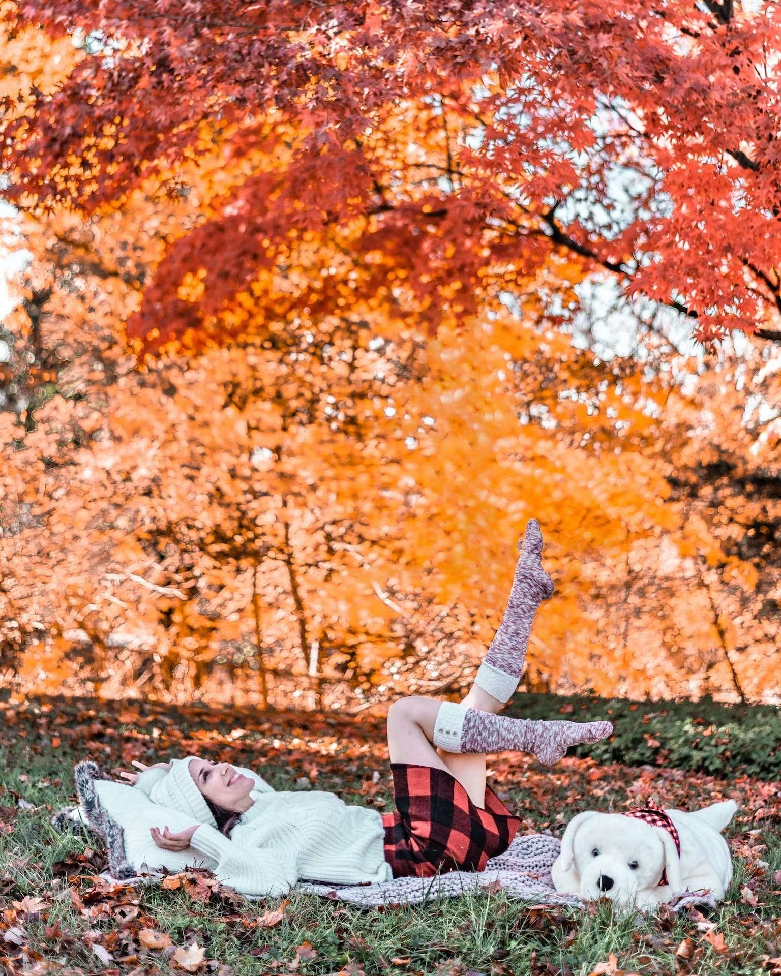 outdoor fun with throw pillows