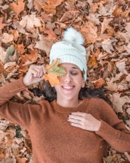 pom-pom beanie for autumn