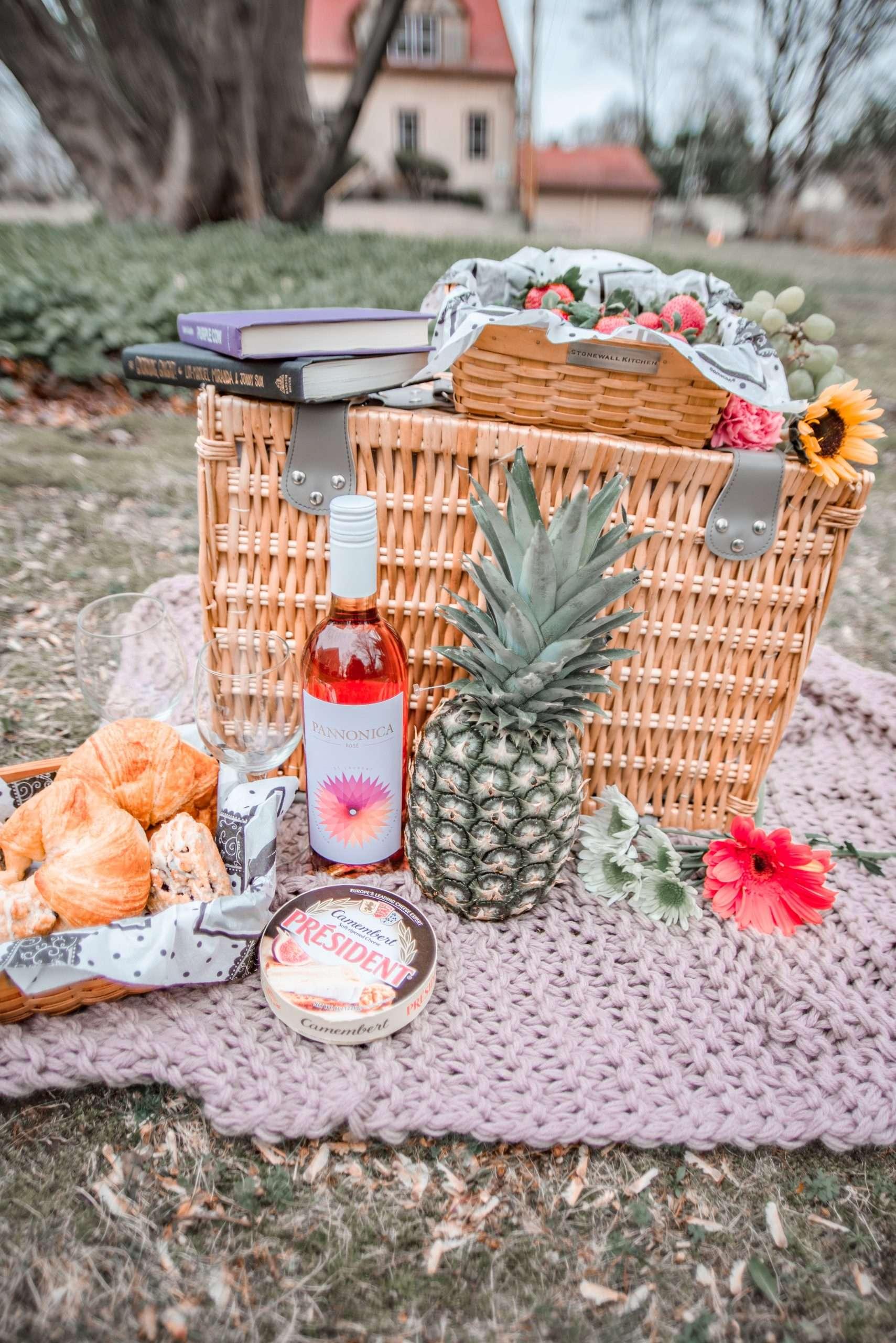 pretty picnic basket set-up
