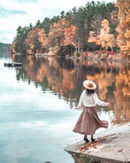 fall foliage photo shot with telephoto lens