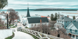 Are you dreaming of US island vacations? Then Mackinac Island is a great stateside option to cross off your Michigan bucket list. With horse-drawn carriages, world-renowned fudge, and historic charm, it's the perfect addition to your Michigan travel itinerary. You won't find cars on the island, but you'll have plenty to keep you busy! Come discover the best things to do on Mackinac Island in a day, including the best Mackinac Island Instagram spots! #michiganroadtrip #usislands #usislandstovisit